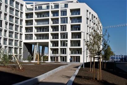 Prodeje nových bytů mírně rostou, ceny stagnují, nabídka je nízká