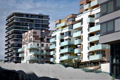 Nová výstavba přinese zadlužené státní kase desítky miliard korun navíc, pokud koronavirus nezpomalí přijetí nového stavebního zákona, tvrdí odborníci