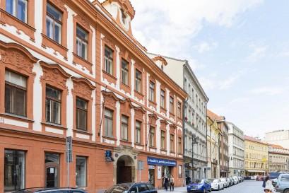Na Starém Městě se začaly prodávat luxusní půdní vestavby projektu Attics Dlouhá