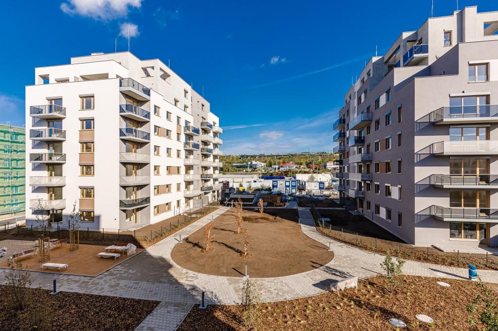V projektu Suomi Hloubětín zkolaudovány tři etapy, ve fázi Vantaa ještě volné byty