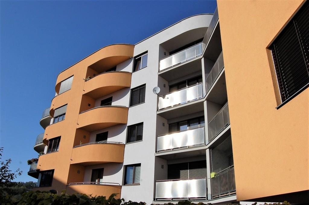 Ceny a prodeje rostou, nabídka nových bytů naopak klesá